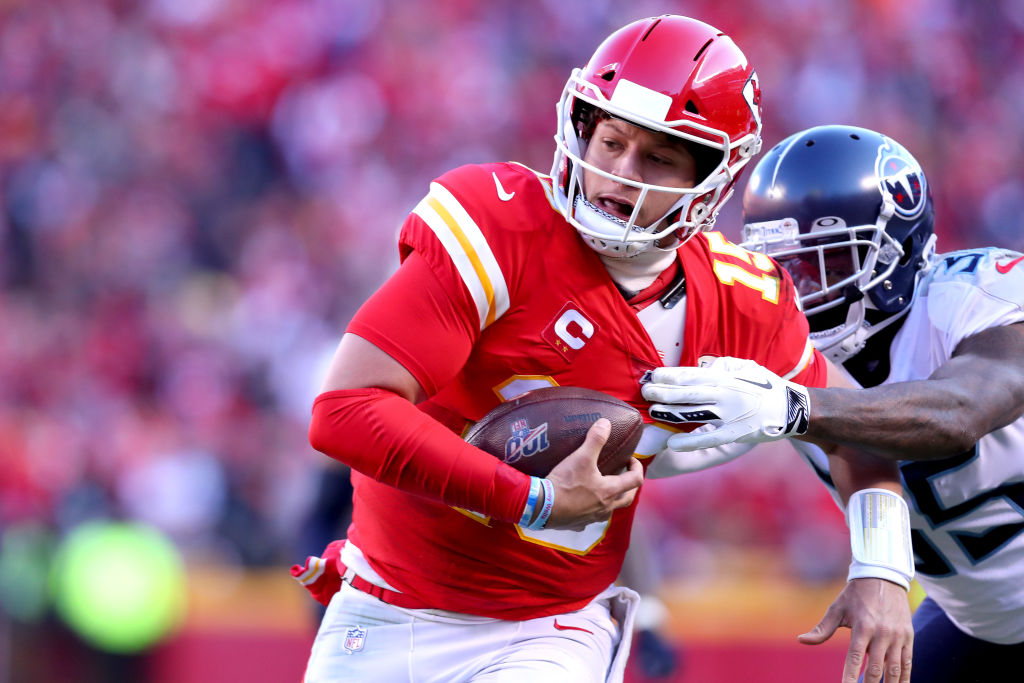 Patrick Mahomes I headed for the NFL iconic status in the Super Bowl LIV If the 49er Sterling defense can stop him