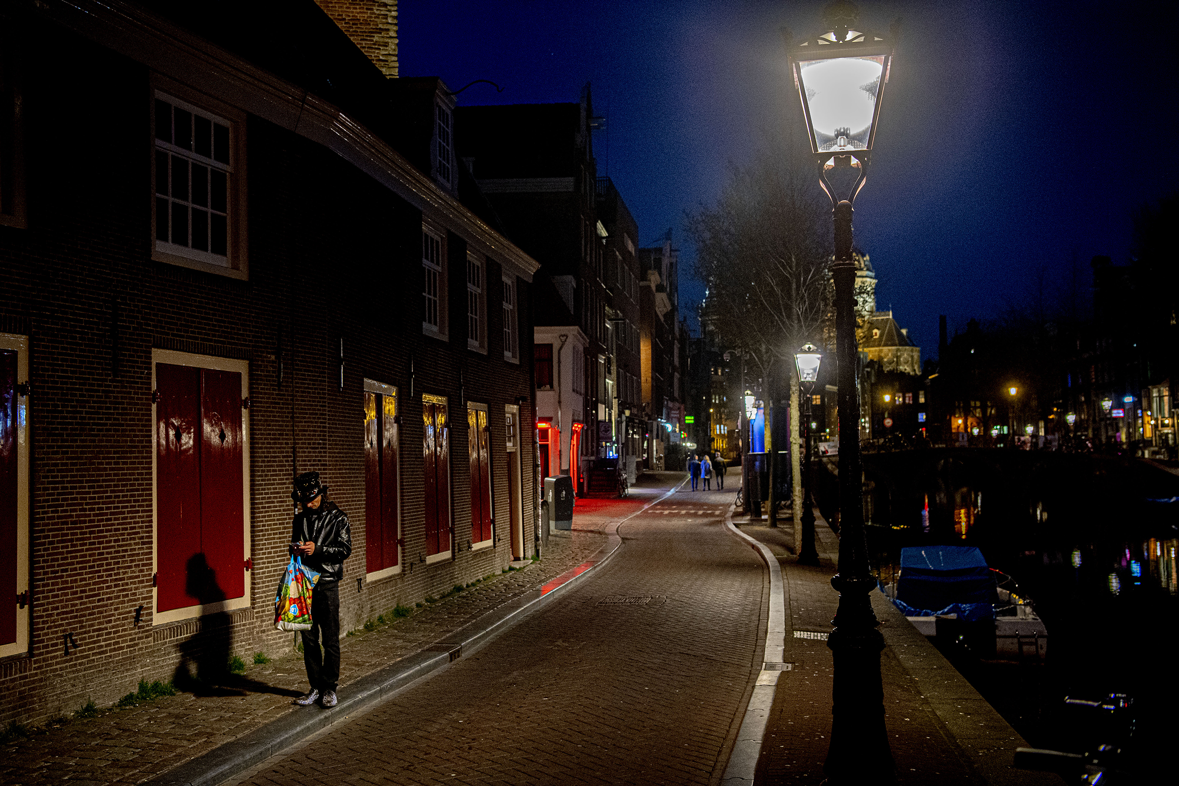Why Red Light District of Amsterdam could not survive the pandemic Crown