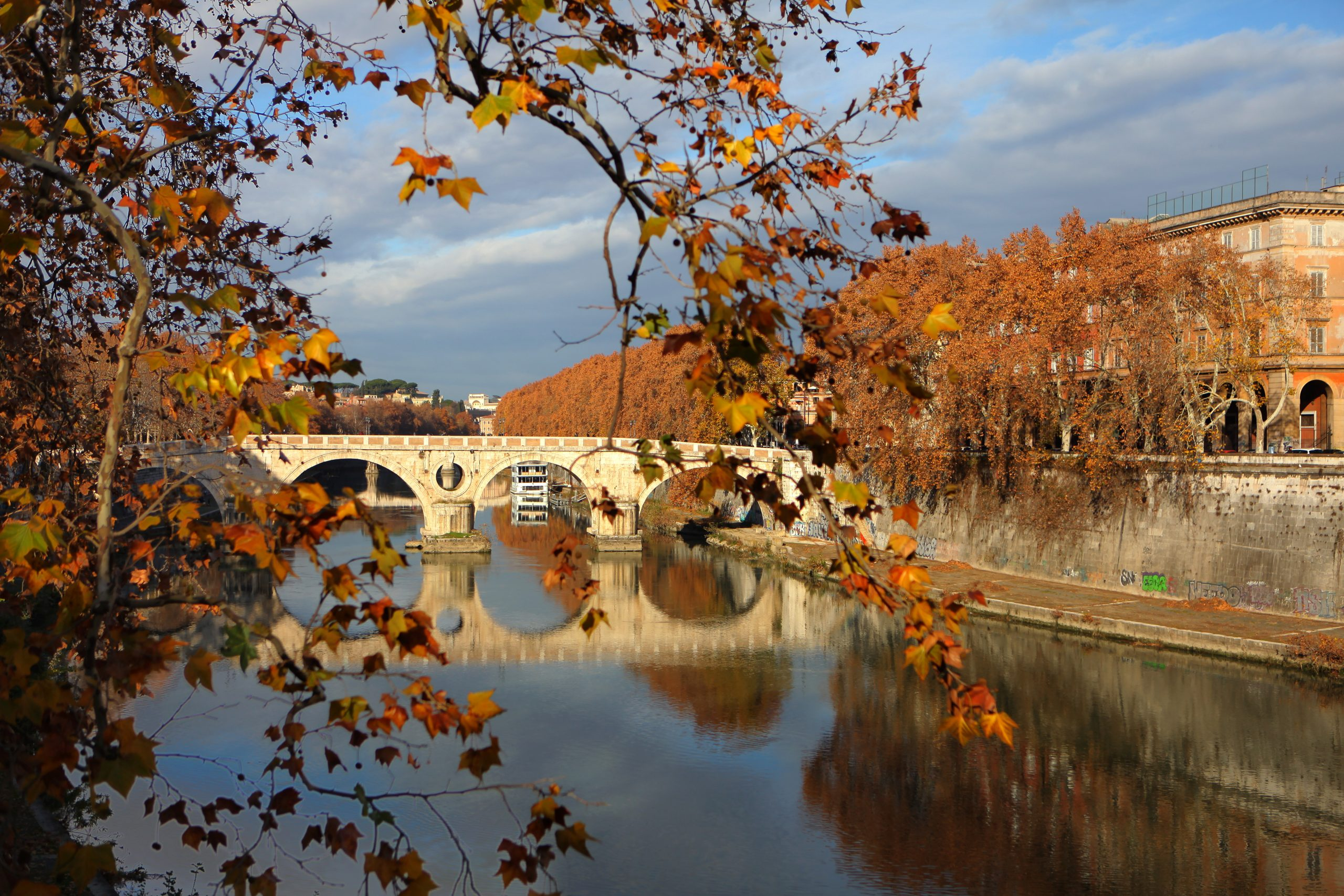 And 'officially the first day of autumn. Here are four things you should know about autumn