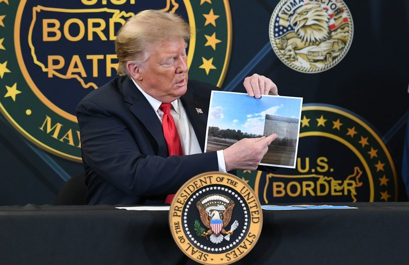 As its collapse poll, President Trump returned to Arizona and the border wall