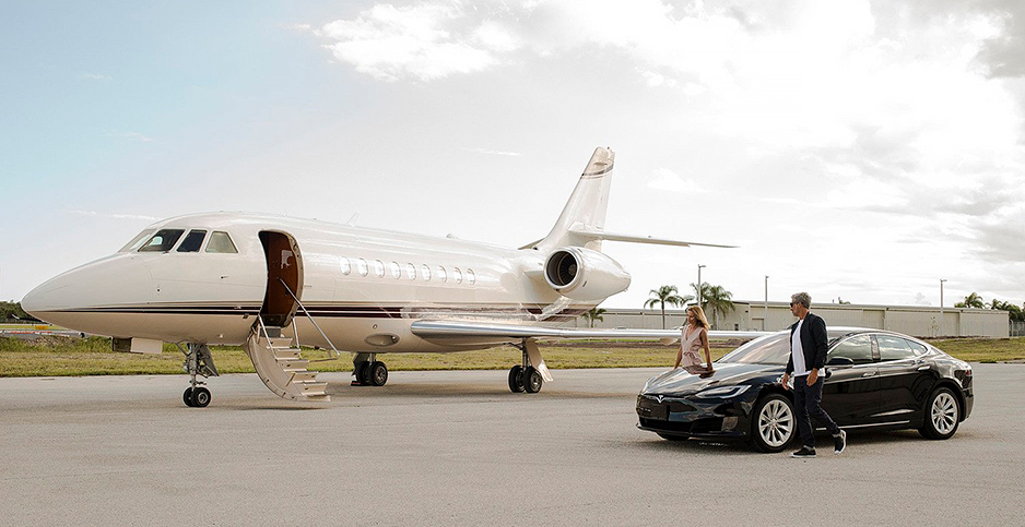 Wealthy Americans are starting to travel in private jets