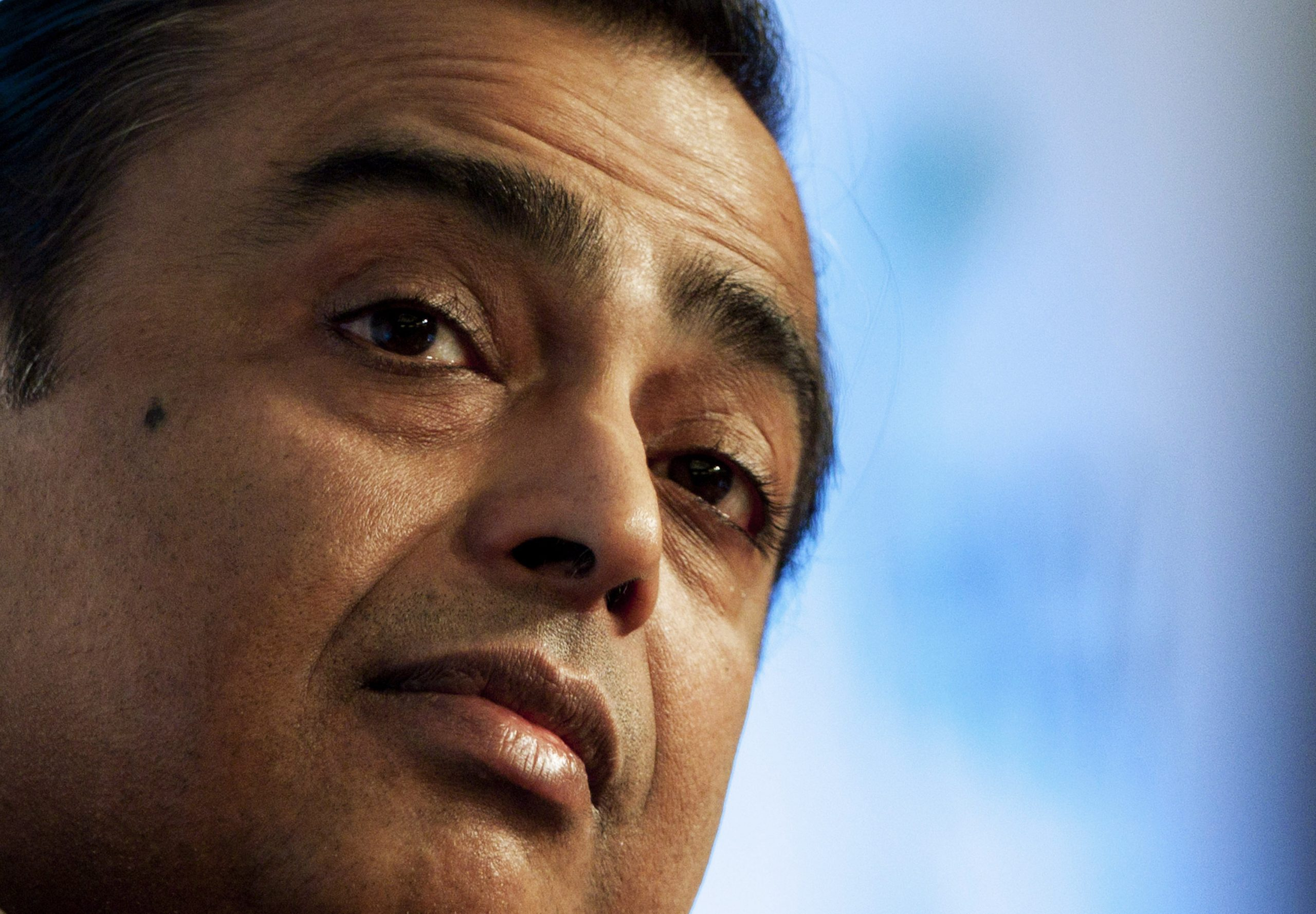 Asia's richest man makes online shopping platform challenge Amazon in India