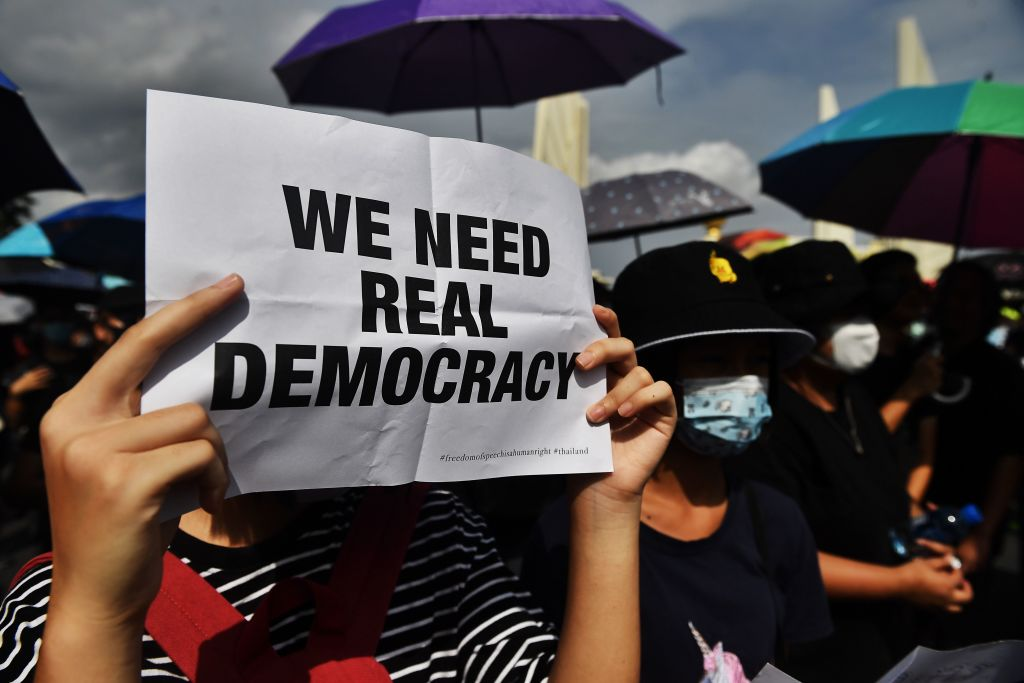 Why risked Thai protesters to 15 years in prison for criticizing the monarchy?